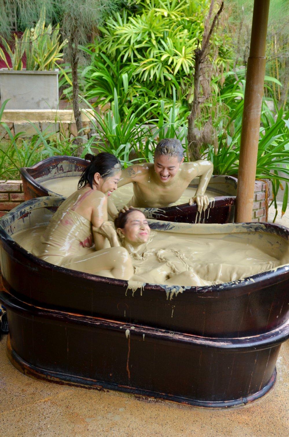 Kha Nhu, Lieu Ha Trinh 'vet sach' tui Thanh Duy khi cung di du lich hinh anh 5
