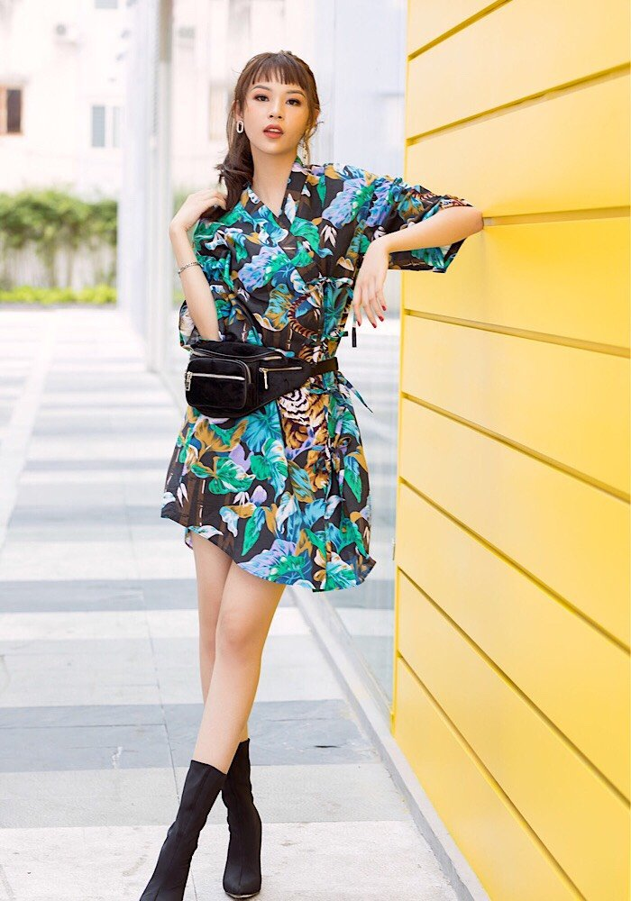 Phi Phuong Anh tung bo anh chao he cuc chat hinh anh 7