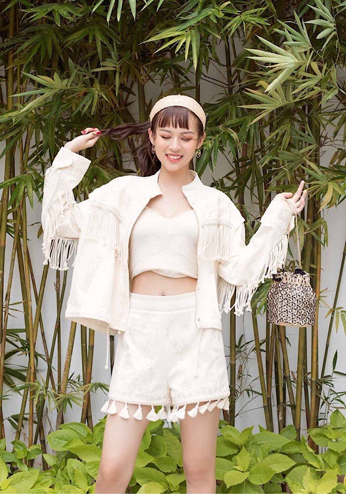 Phi Phuong Anh tung bo anh chao he cuc chat hinh anh 8