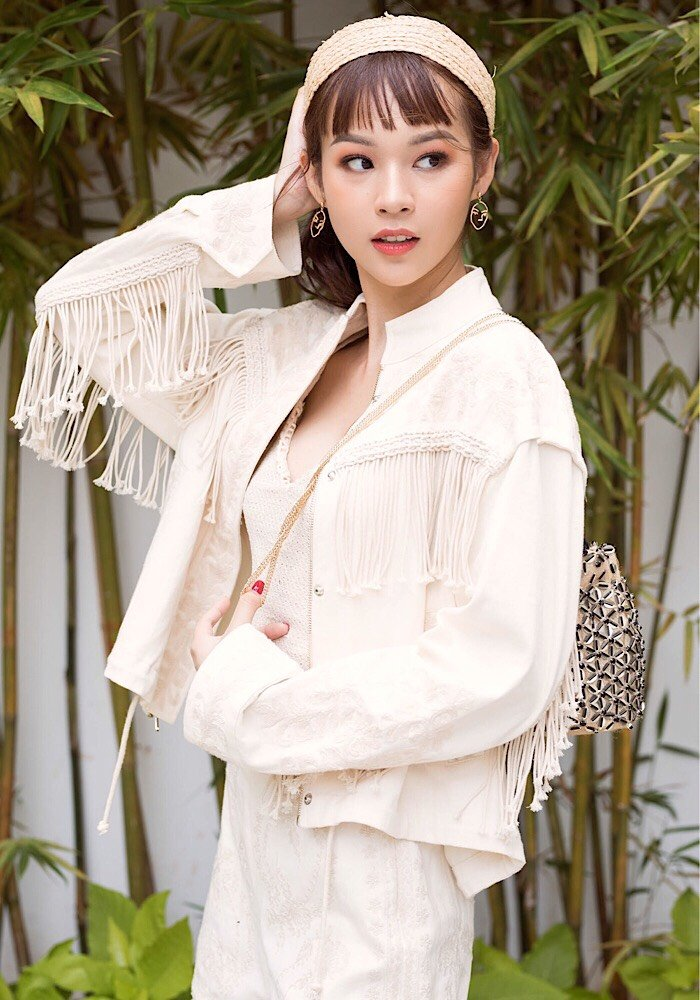 Phi Phuong Anh tung bo anh chao he cuc chat hinh anh 9