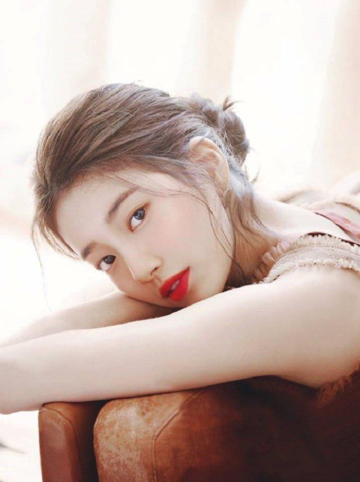 Suzy ký vào bản kiến nghị yêu cầu Nhà Xanh điều tra vụ án quấy rối tình dục của Yang Yewon