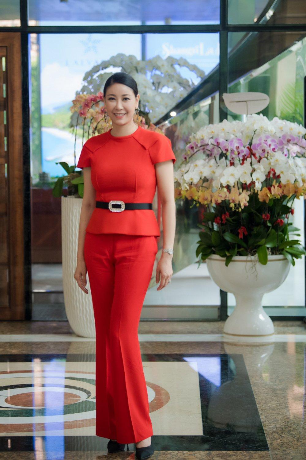Thanh Hang mau me van dep, Hoa hau Huong Giang quyen ru voi vay xuyen thau hinh anh 7