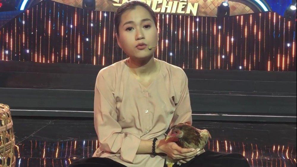 Lam Vy Da mang ga len san khau de am chi Chi Pu hinh anh 2