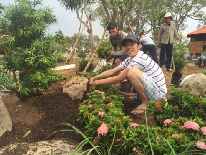 Mang cay bonsai nua ty dong di thi, NSUT Hoai Linh 'am' luon giai nhat hinh anh 4