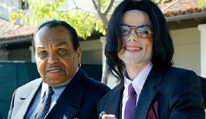 Cha Michael Jackson qua doi ngay sau ngay gio thu 9 cua con trai hinh anh 1