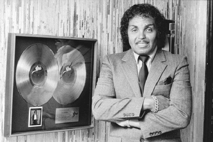 Cha Michael Jackson qua doi ngay sau ngay gio thu 9 cua con trai hinh anh 3
