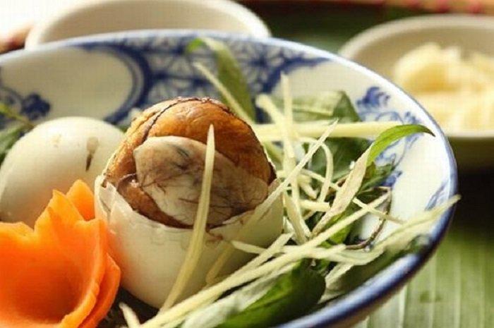 ăn trứng vịt lộn đúng cách | Món Miền Trung