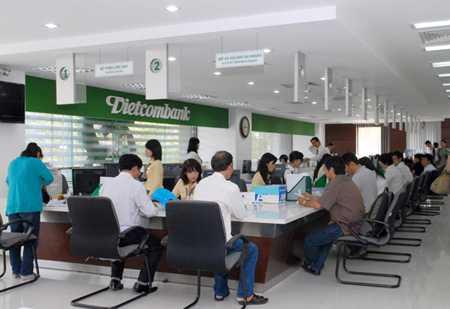 Nghich ly Vietcombank: Cang giau, cang them... lo! hinh anh 1