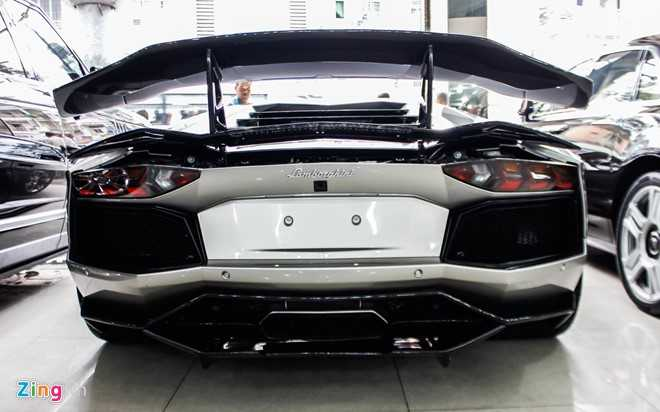 Lamborghini Aventador ban do dau tien ve Viet Nam hinh anh 3
