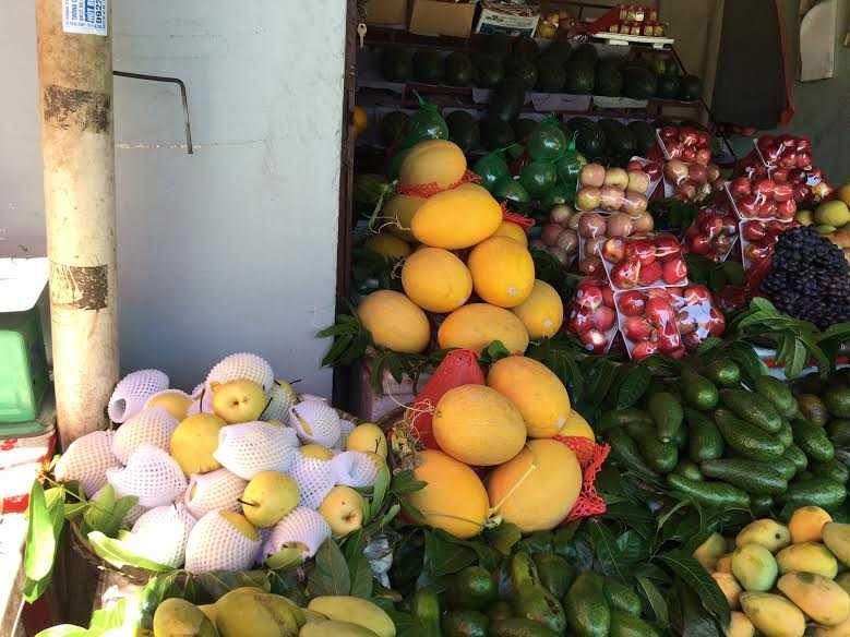 Trong nua nam, dan Viet chi 80 trieu USD mua rau qua Trung Quoc hinh anh 1
