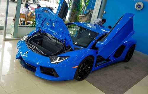 Ngam Lamborghini Aventador mau xanh cuc doc moi ve Viet Nam hinh anh 1