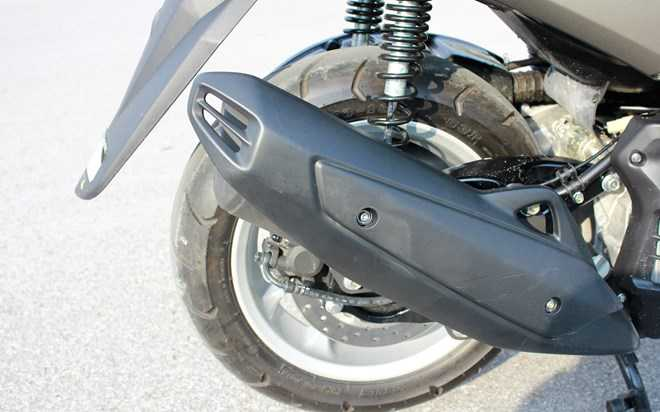 Soi Yamaha NM-X 155 doi thu 'khong doi troi chung' cua Honda PC-X hinh anh 12