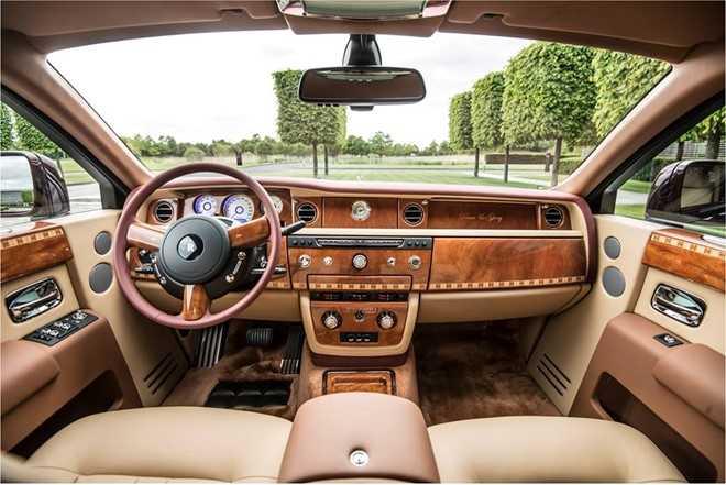 Ngam Rolls-Royce Phantom ban Hoa binh Vinh quang cua dai gia Viet hinh anh 3