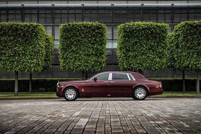 Ngam Rolls-Royce Phantom ban Hoa binh Vinh quang cua dai gia Viet hinh anh 2