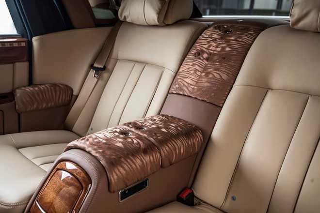 Ngam Rolls-Royce Phantom ban Hoa binh Vinh quang cua dai gia Viet hinh anh 5
