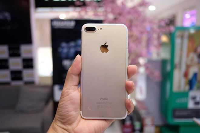 iPhone 7 Plus chua len ke, hang nhai gia hon 2 trieu dong da co o Viet Nam hinh anh 2