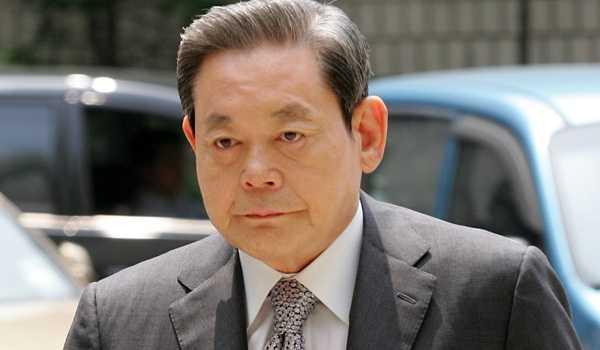 'Ngay thu Hai den toi': Mat tram trieu do, ong chu Samsung van khong dau bang ty phu Hong Kong hinh anh 1