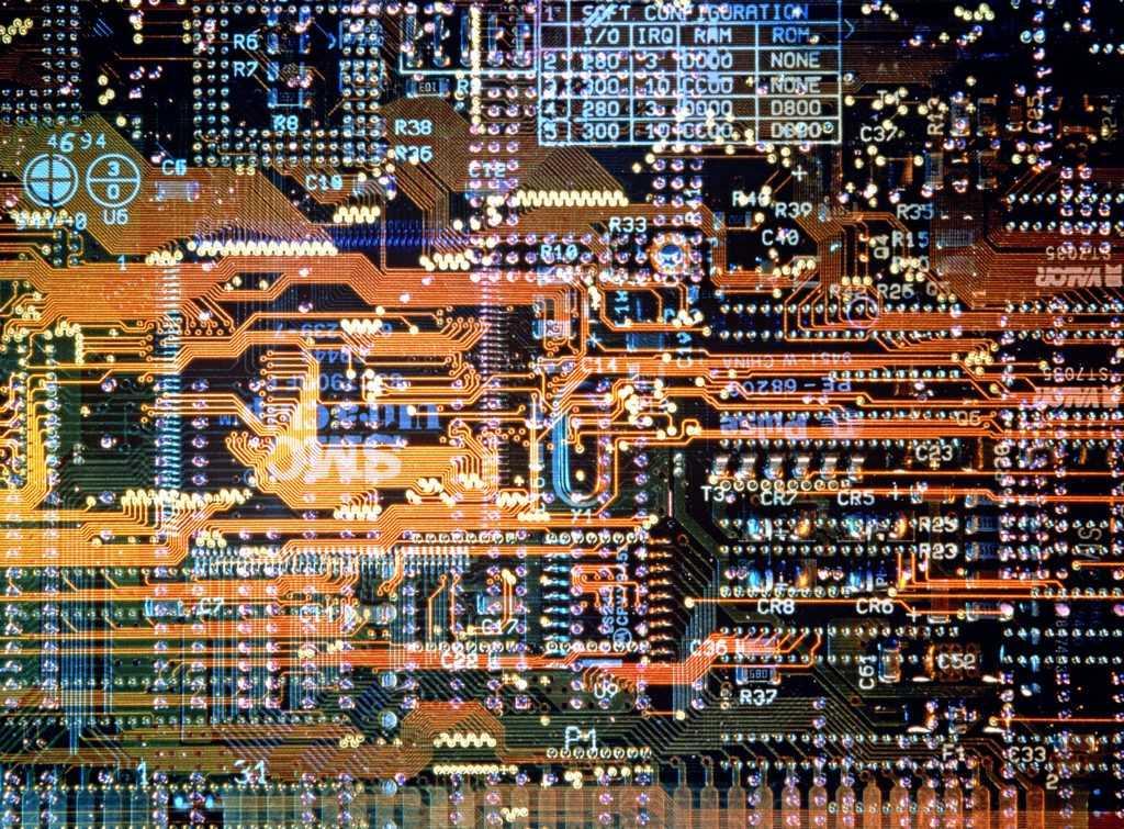 Intel, HP, Dell, EMC: Nhung ga khong lo phan cung 'an may di vang' hinh anh 1