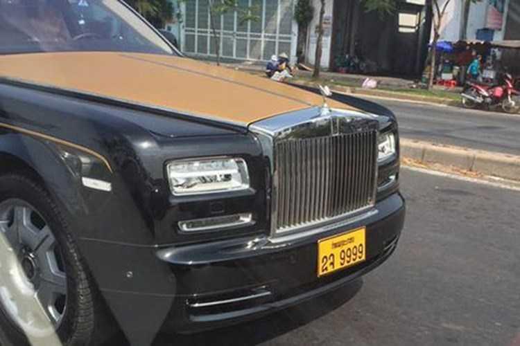 Rolls-Royce 60 ty cua dai gia Lao tren pho Viet hinh anh 3