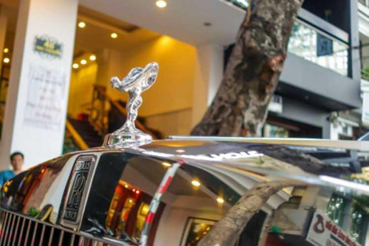 Rolls-Royce 60 ty cua dai gia Lao tren pho Viet hinh anh 4