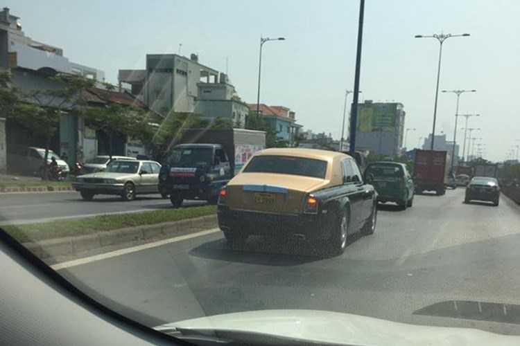 Rolls-Royce 60 ty cua dai gia Lao tren pho Viet hinh anh 8