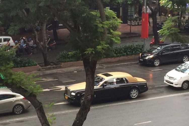 Rolls-Royce 60 ty cua dai gia Lao tren pho Viet hinh anh 9