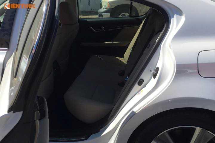 Lo dien sieu xe Lexus GS 200t gia 3,1 ty dong tai Ha Noi truoc ngay trien lam hinh anh 9