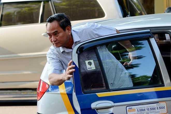 Sau quyet dinh khoan xe cong, Bo Tai chinh tiep tuc cat giam lai xe rieng hinh anh 2