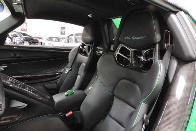 Sieu xe Porsche 918 Spyder mau doc co gia 45 ty dong hinh anh 8