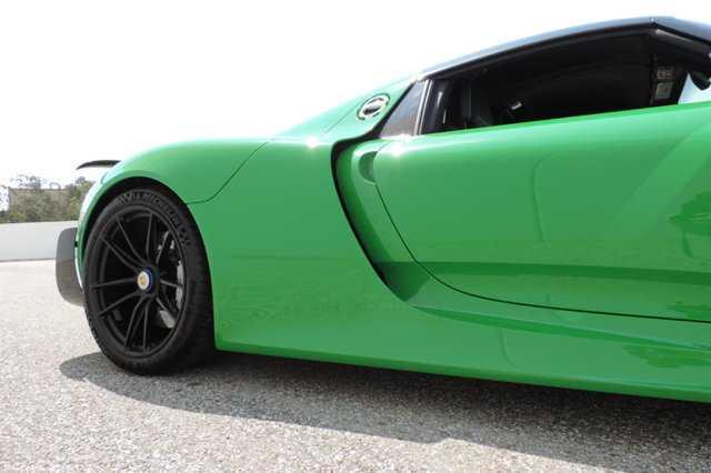 Sieu xe Porsche 918 Spyder mau doc co gia 45 ty dong hinh anh 5
