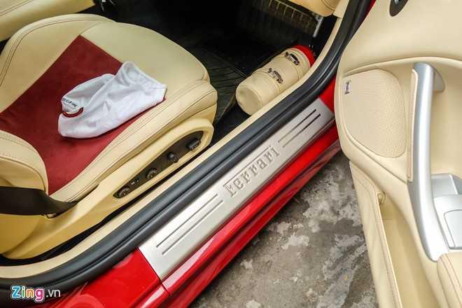 Bat ngo sieu xe Ferrari F12 ban do nhap Dubai ra bien so Sai Gon hinh anh 8