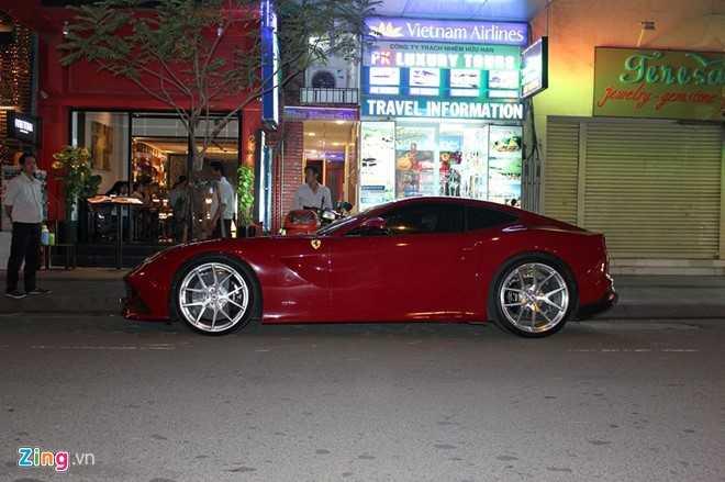 Cuong Do La mua 'sieu ngua' Ferrari F12 Berlinetta hinh anh 1