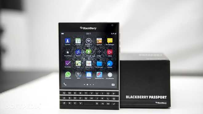 Giam gia soc, BlackBerry Passport chinh hang chi con 8 trieu dong hinh anh 1