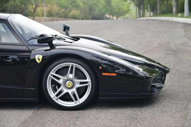 Choang vang Ferrari Enzo den bong gia 75,9 ty dong hinh anh 8