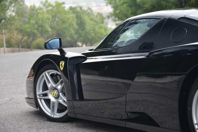 Choang vang Ferrari Enzo den bong gia 75,9 ty dong hinh anh 14