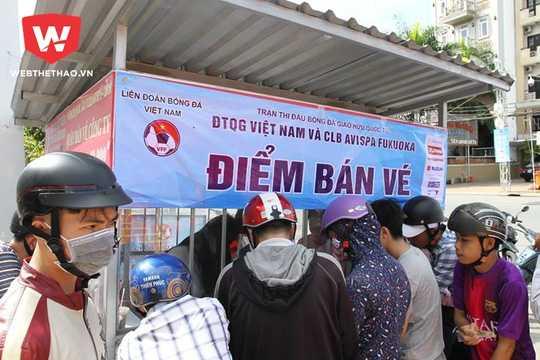 Tran Viet Nam vs Fukuoka: 6000 ve duoc ban het sach hinh anh 1