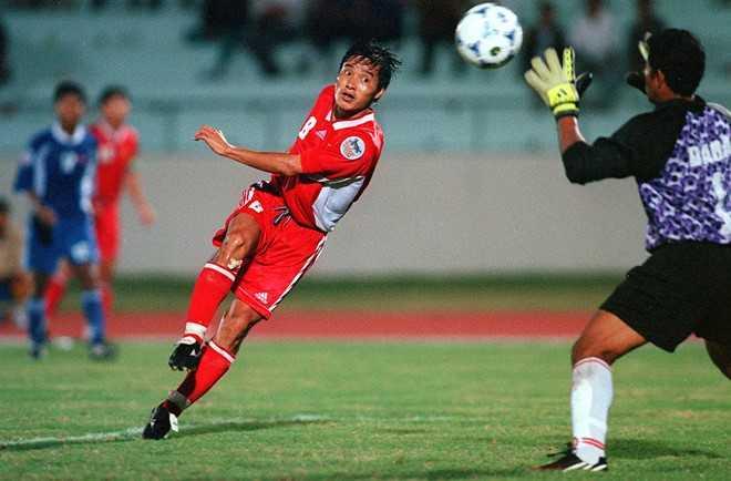 Tran Viet Nam - Indonesia lot vao top 3 khoanh khac AFF Cup hinh anh 1