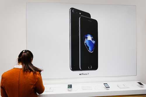 Gia iPhone 7 chinh hang va xach tay chenh 3 trieu dong hinh anh 1
