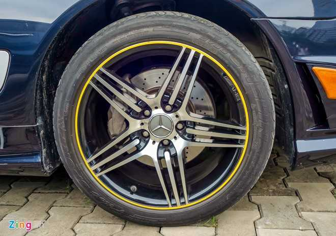 Ngam xe the thao hiem Mercedes SL63 AMG cua dai gia Sai Gon hinh anh 6