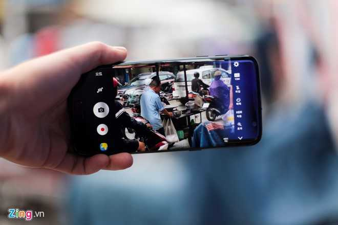 Ngam Samsung Galaxy S7 edge mau den bong dau tien tai Viet Nam hinh anh 12