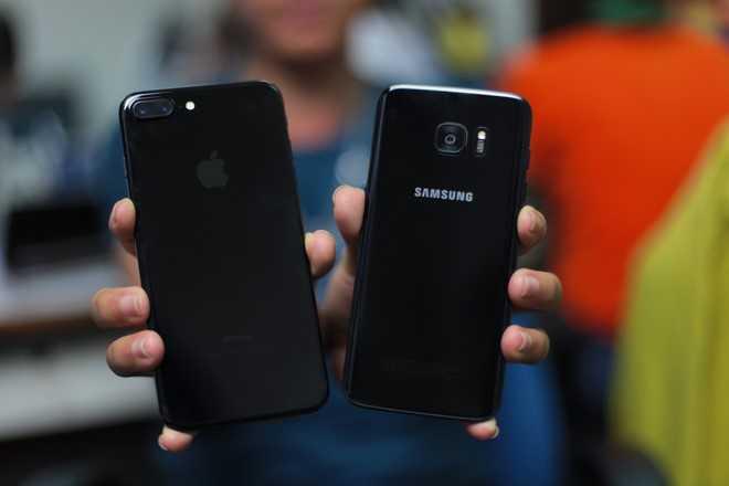 Ngam Samsung Galaxy S7 edge mau den bong dau tien tai Viet Nam hinh anh 16