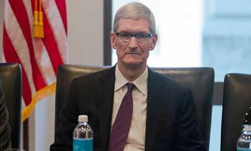 CEO Apple giai thich ly do gap Tong thong Donald Trump hinh anh 1