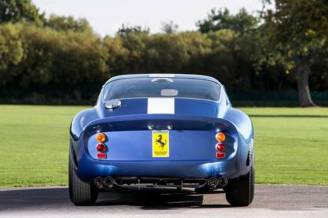 Sieu xe Ferrari dat nhat hanh tinh gia 1.250 ty dong hinh anh 3