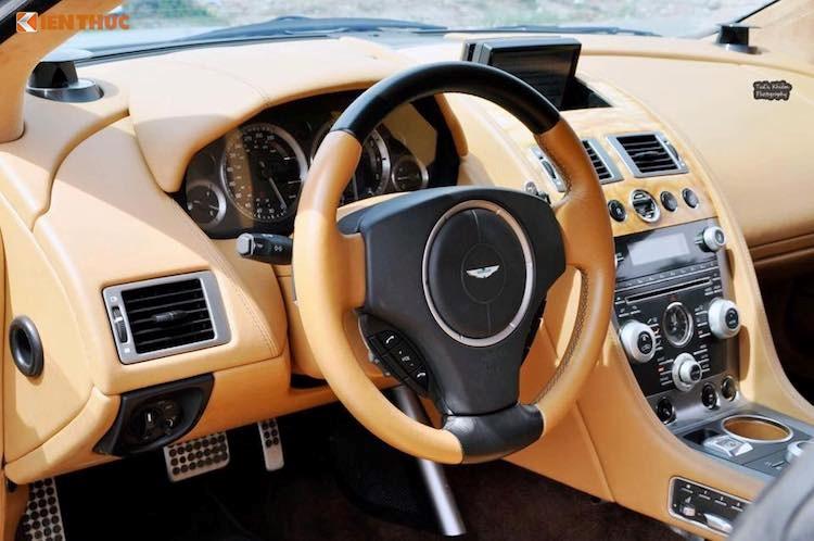 'Hang doc' Aston Martin Rapide hon 5 ty dong tai Viet Nam hinh anh 6