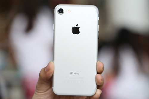 iPhone 7 ban cham, Apple giam luong san xuat hinh anh 1