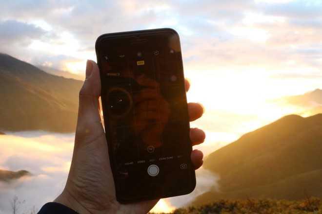 Nguoi Viet noi gian vi iPhone 7 lien tuc gap su co hinh anh 1