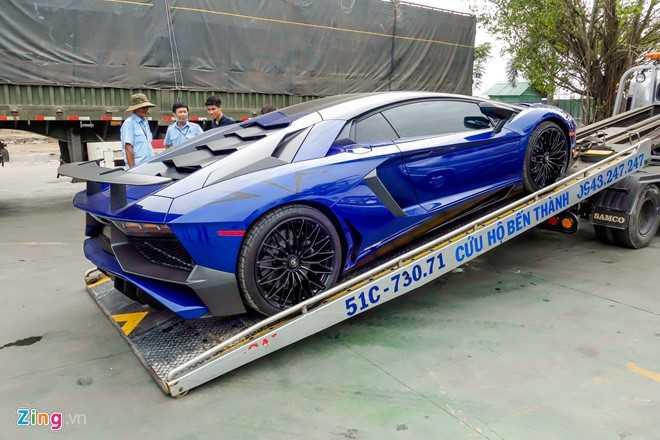 Sieu xe Lamborghini Aventador LP750 SV 35 ty cua Minh Nhua ra bien trang hinh anh 2