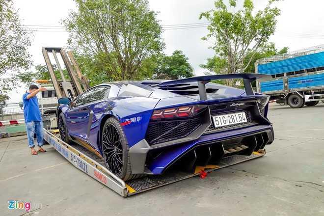 Sieu xe Lamborghini Aventador LP750 SV 35 ty cua Minh Nhua ra bien trang hinh anh 3