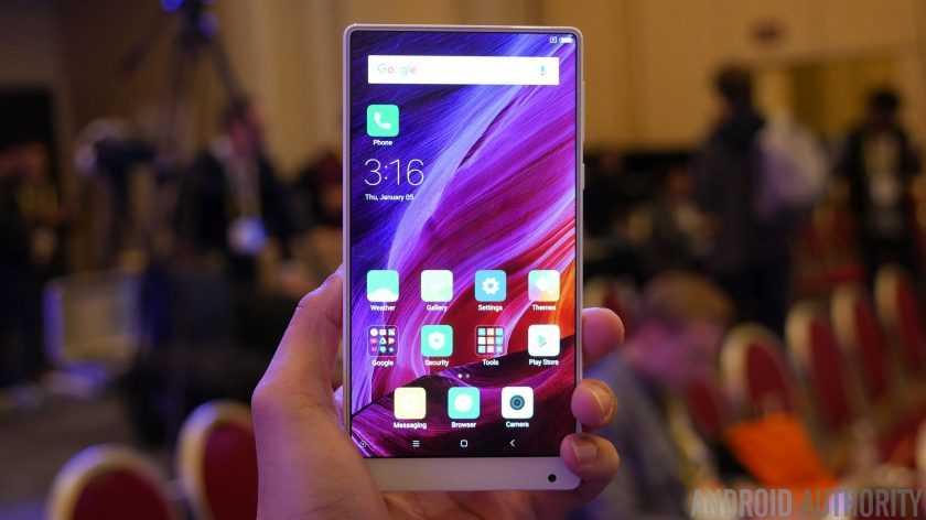 Smartphone vien mong se la 'lam mua lam gio' trong nam 2017? hinh anh 1