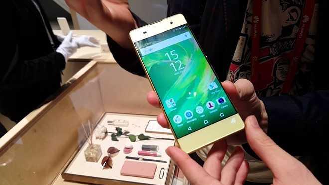 'San' smartphone duoi 5 trieu choi Tet hinh anh 6